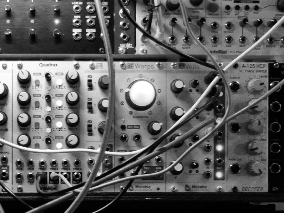 DIGITAL ANALOG CLODUS - Aeph Studio Closeup 2 bw